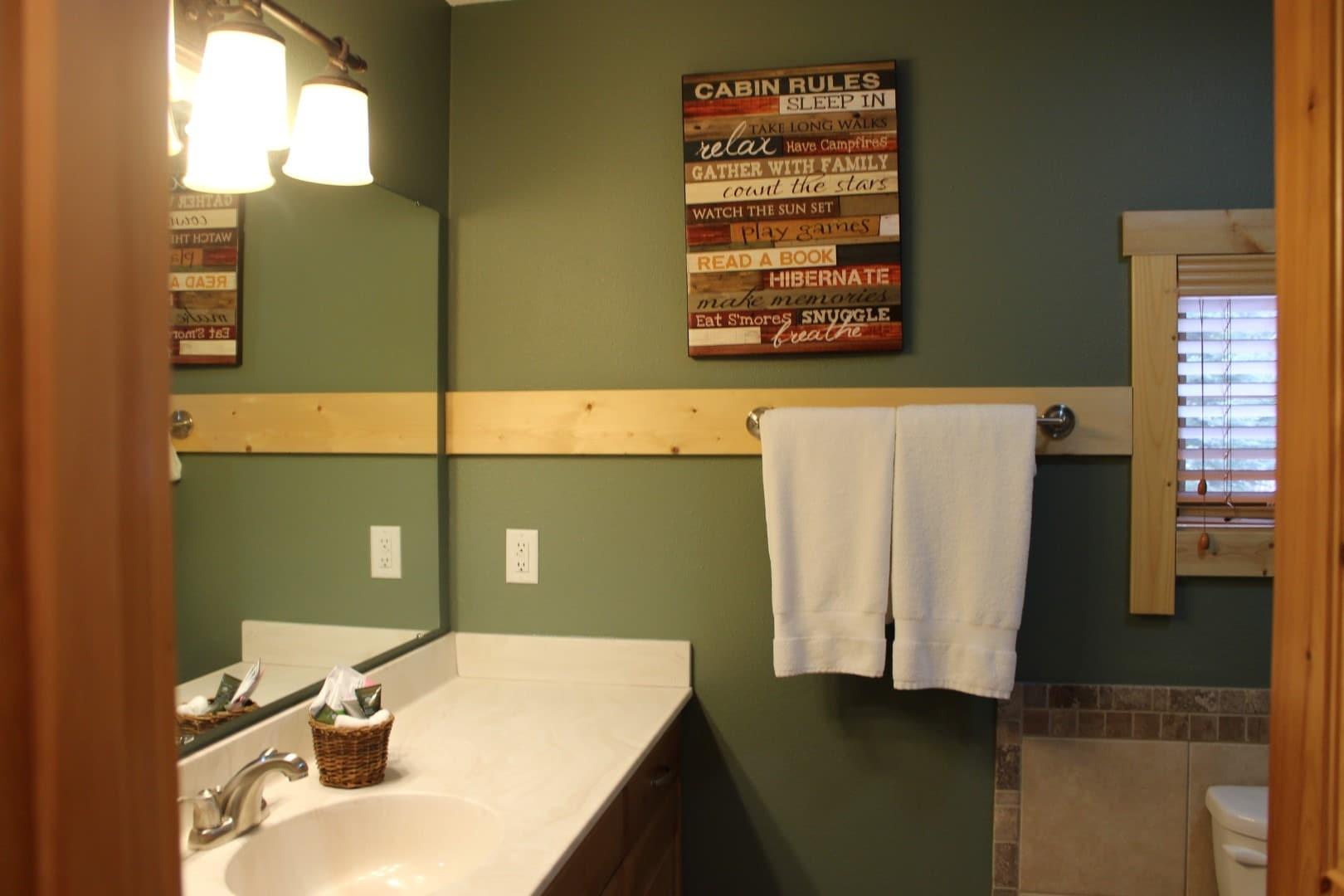 524 guest bath