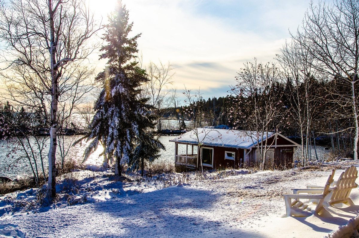 Mickeys Fishhouse in the winter