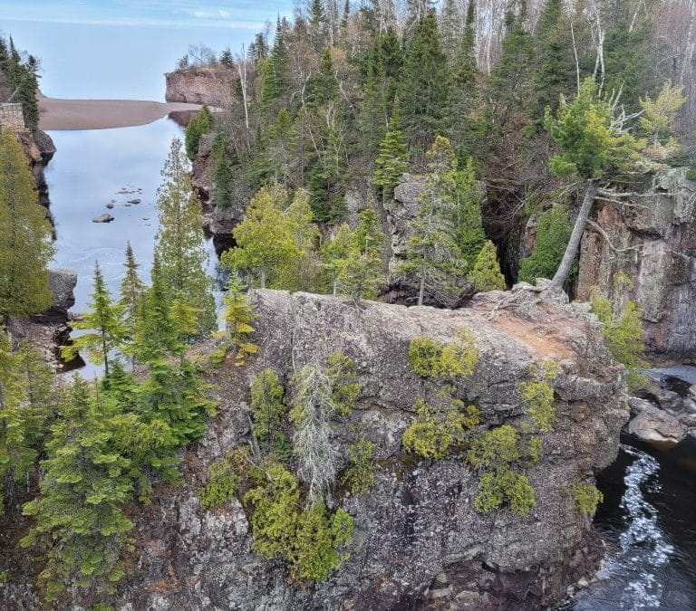 Chasing Waterfalls – Cascade Falls at Tettegouche State Park